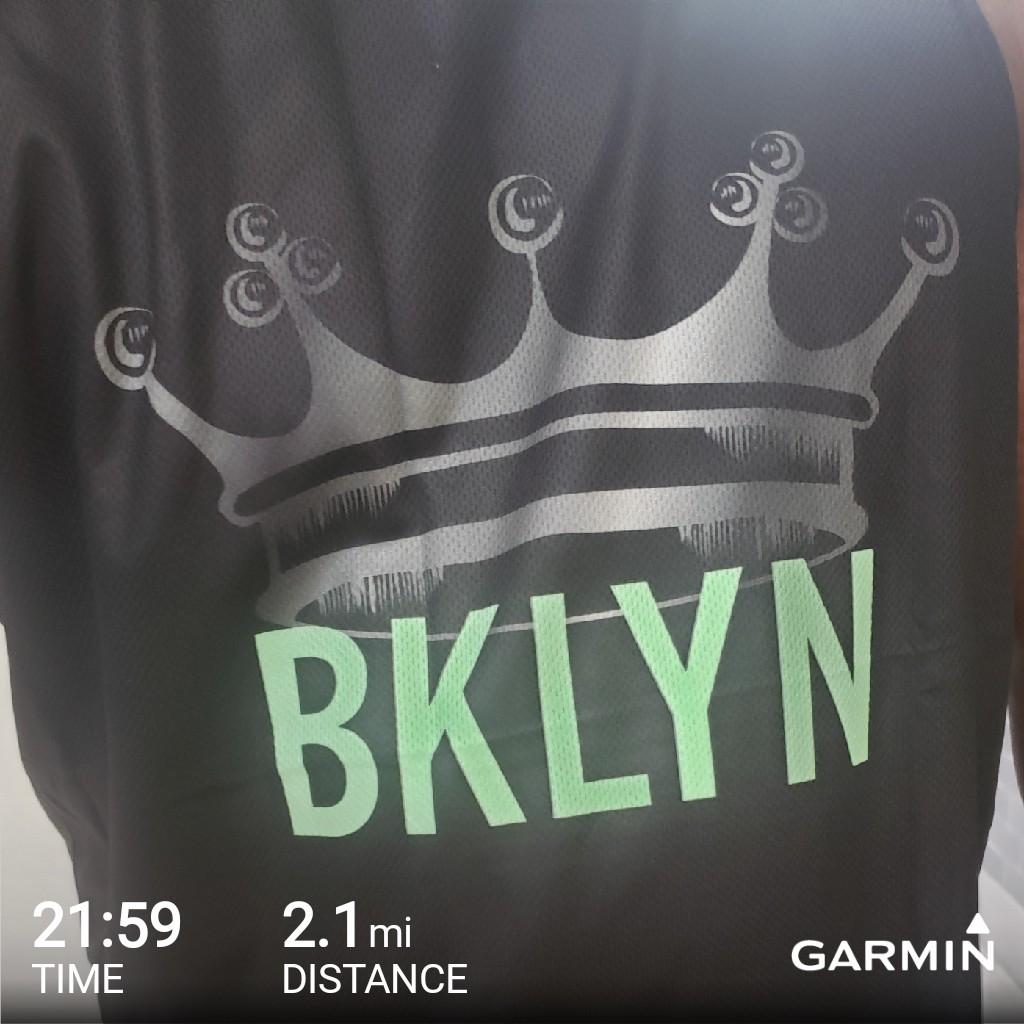 #garmin #beatyesterday no way I was running outside today.     It was cold AF!!   #treadmillrunning.  #planetfitness #runningcommunity<br>http://pic.twitter.com/xxNVGNC69Q