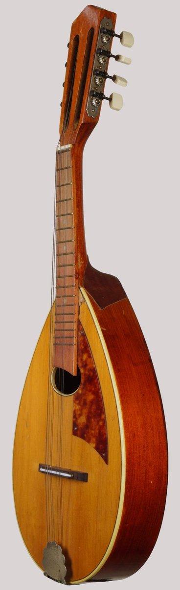 communist czechoslovakia flat back mandolin cremona crs at Ukulele Corner