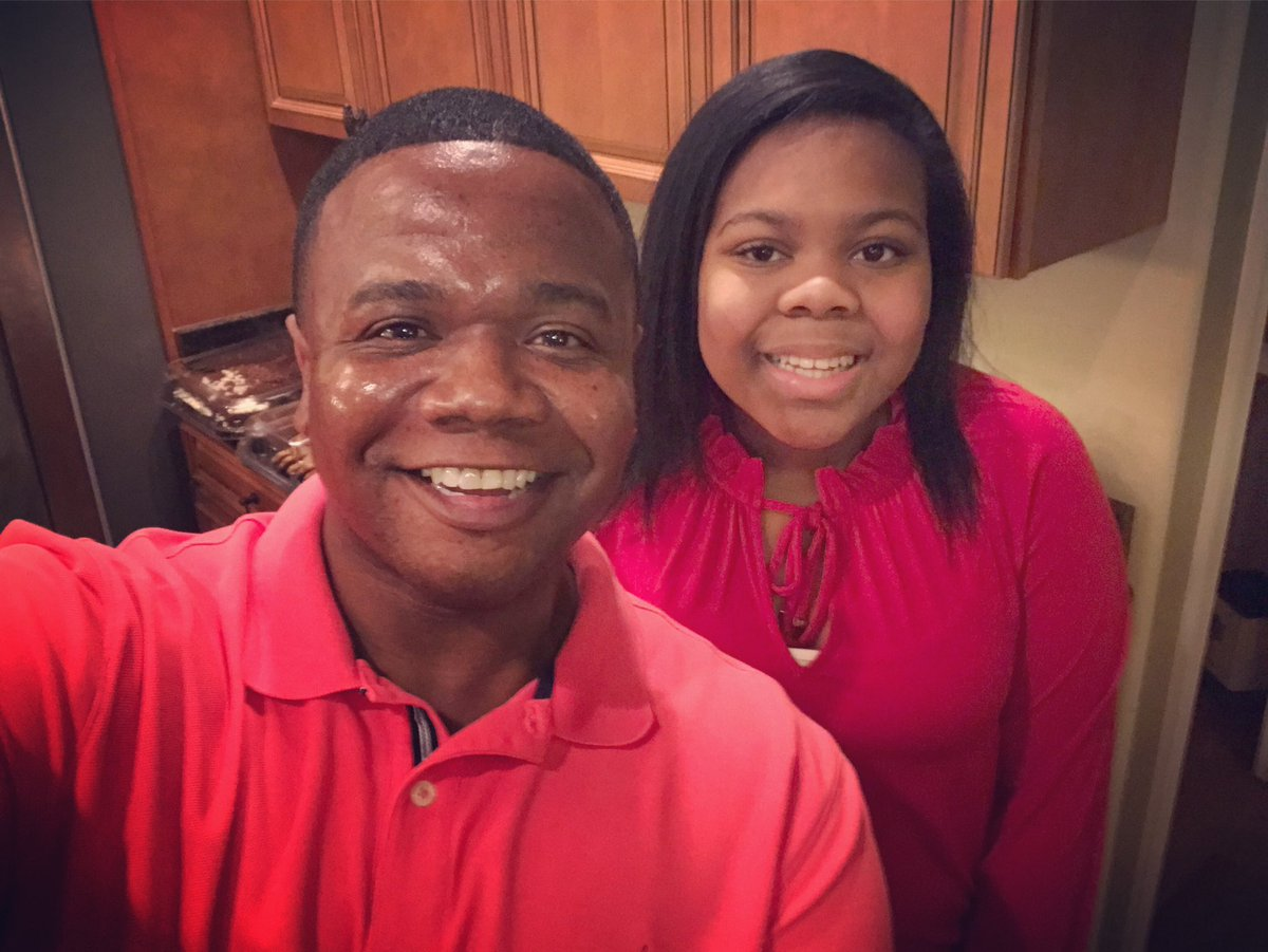 Congratulations Kyla!!!! She won #ChoppedJunior tonight on the @foodnetwork and it comes with a $10,000 prize!!!!!!  <br>http://pic.twitter.com/LeTdGflOnq