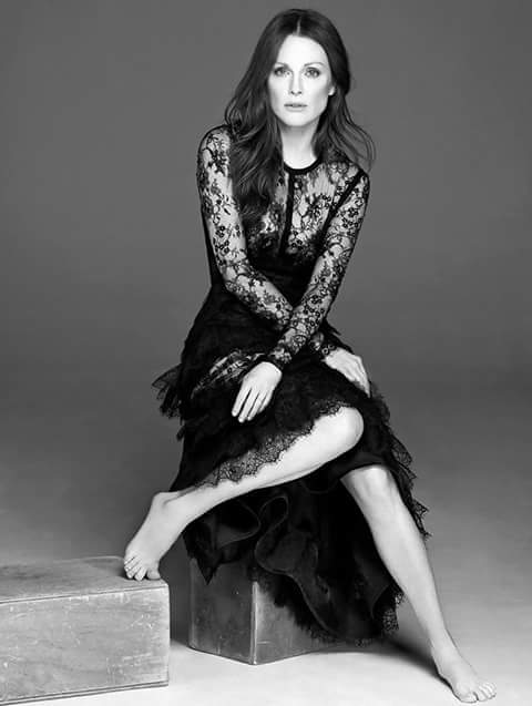 Happy birthday Julianne Moore.