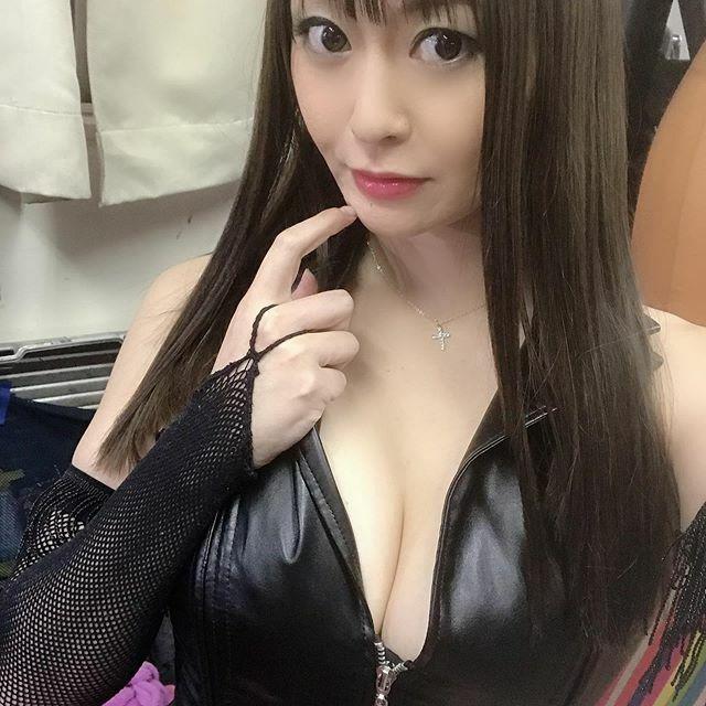 AV女優葵百合香のTwitter自撮りエロ画像48
