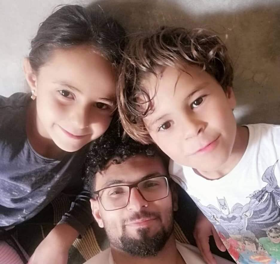 Mazen al-Harami has been detained by #SDF militia for one month now without charge or information about his condition. His family are waiting for him. #Raqqa #Syria