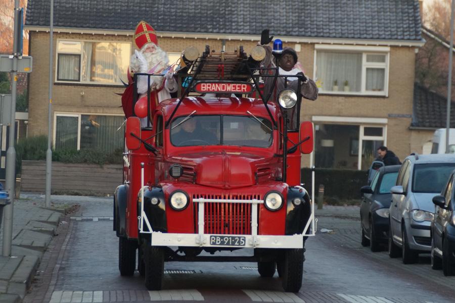 """test Twitter Media - Sinterklaas en 3 pieten bezochten vanmorgen @Walsprong  in de """"Oude Marie"""". Het was een heerlijk feest! https://t.co/psCpCu3rj2"""