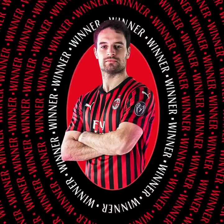 🥇⚽ Best Goal from November 🥇⚽ The winner is the one and only 'Jack of Hearts' with his right-footed rocket against Napoli ❤️🖤👏🏻  Complimenti @giacomobona, il tuo gran destro col Napoli è il miglior gol di novembre ❤️🖤👏🏻  #SempreMilan