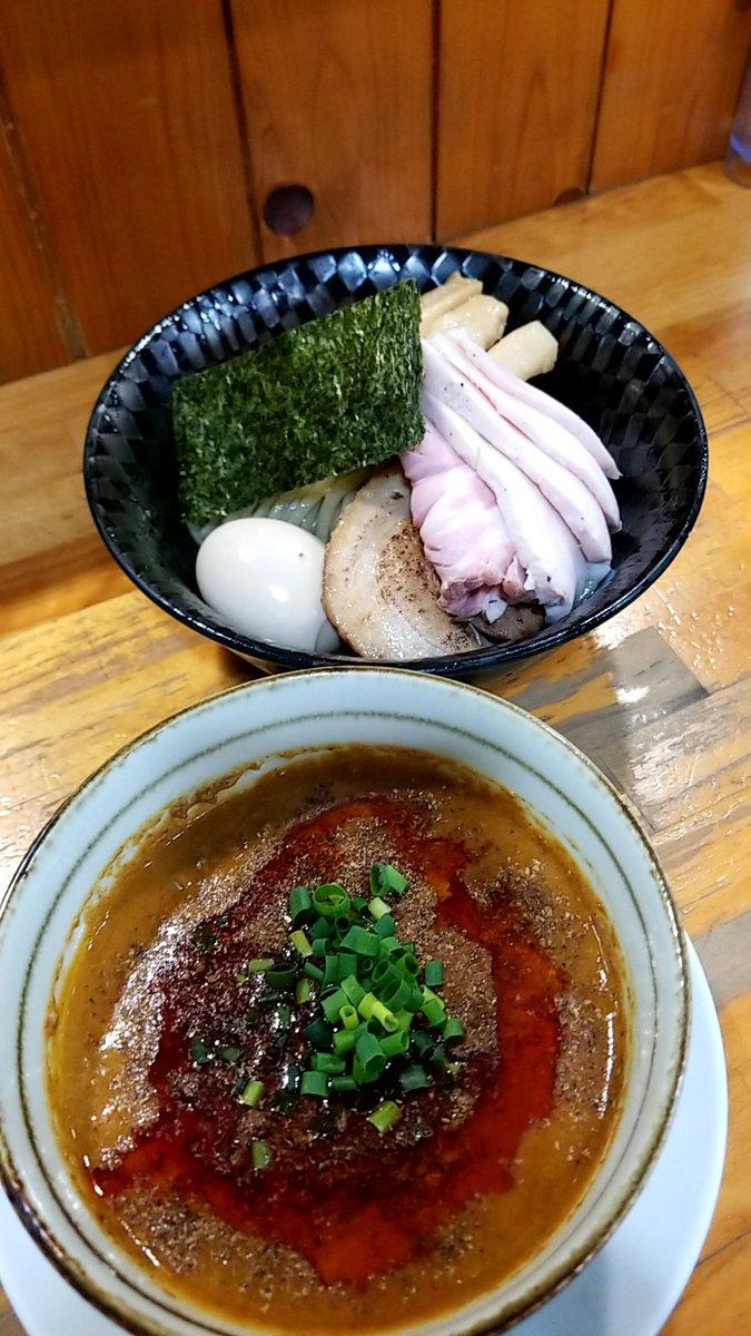 『今日のラーメン(12月4日 むじゃき)』今年378杯目。特製担々つけめんをいただきました。鶏🐓、魚介🦈、ラー油そして花椒が効いたどろりとしたつけ汁とムッチリとした食感の極太ストレート麺が印象的です。#つけ麺#水戸市#むじゃき