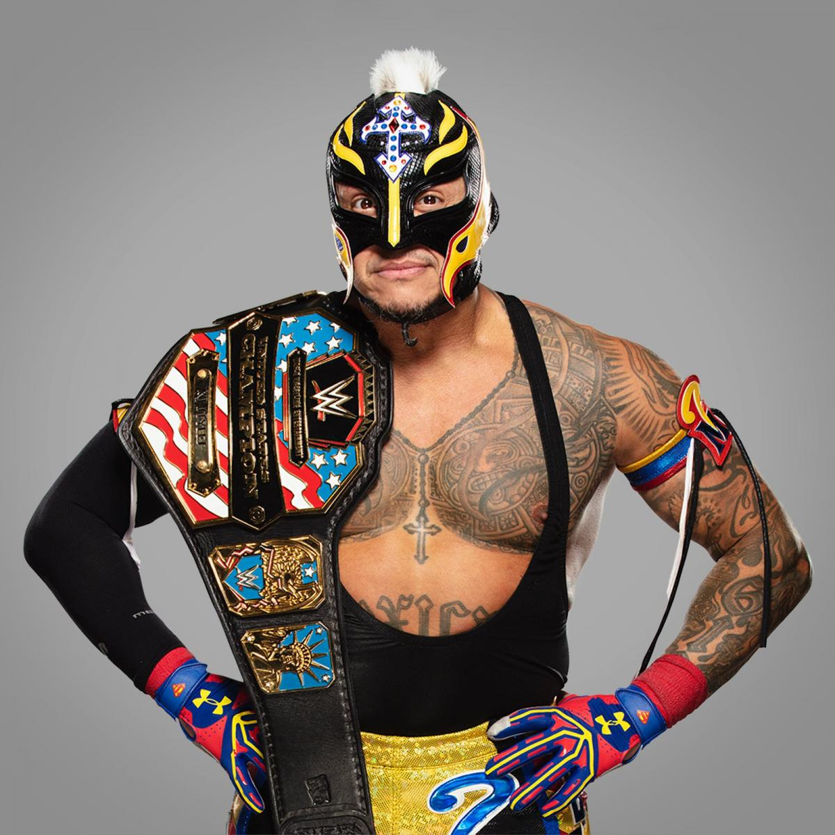 Take a look at @reymysterio FLYING into the #USTitle Hall of Fame!