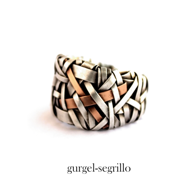 silver and gold ring band handcrafted by art jewellery designer gurgel-segrillo - woven series of contemporary jewelry