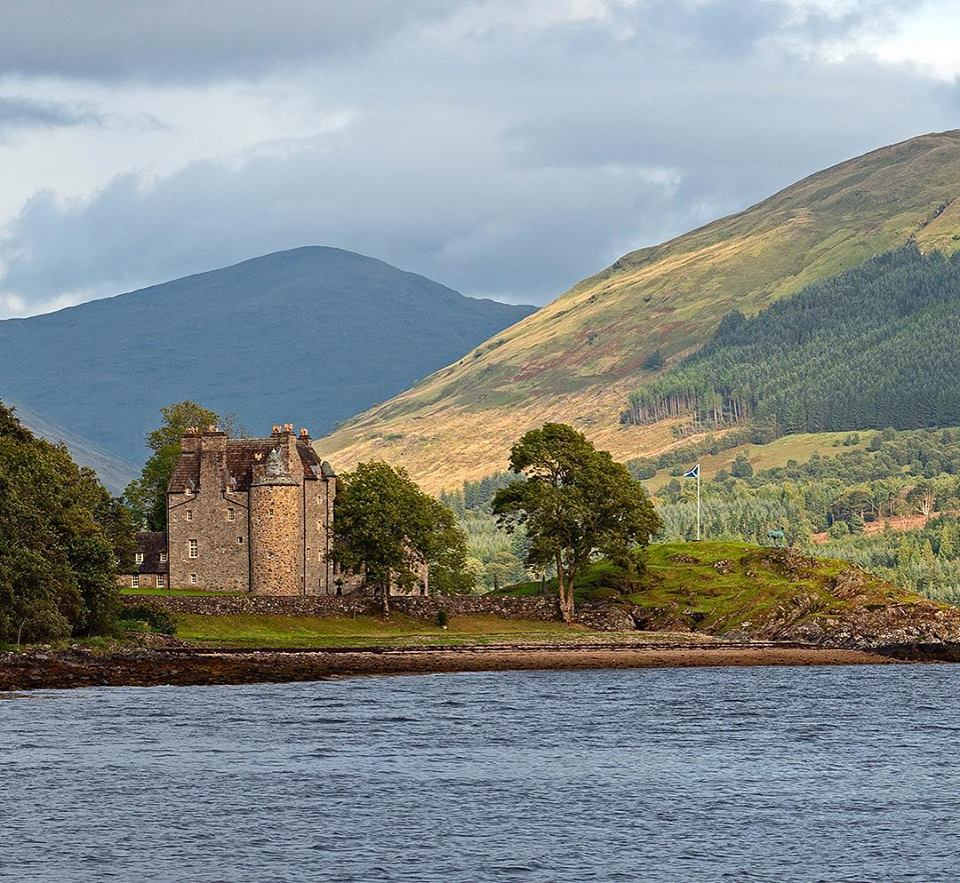 Dunderave Castle, on Loch Fyne, Argyl, Scotland, Richard Hunt-Smith! <br>http://pic.twitter.com/XKlneRSi2v