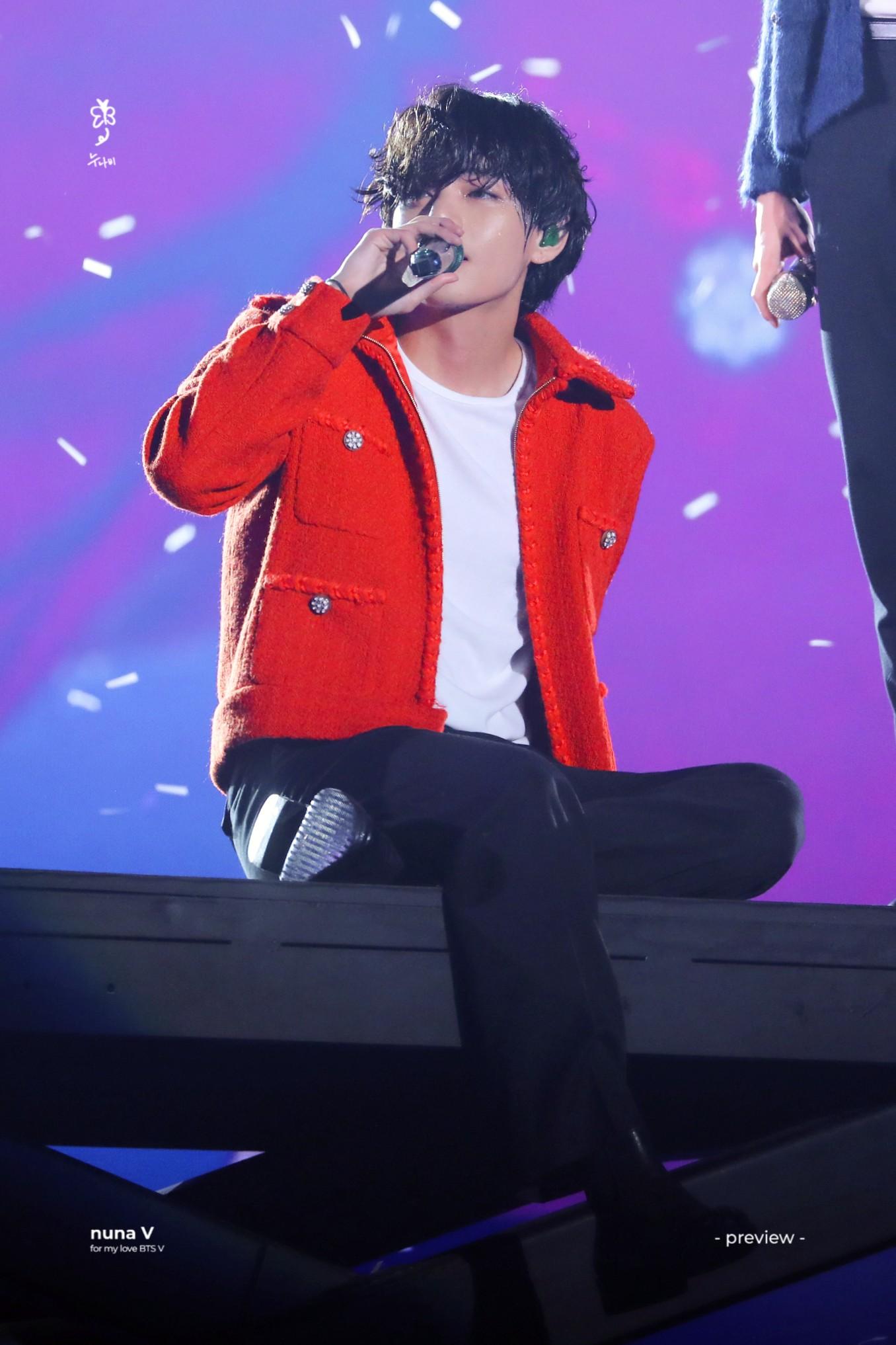 Xót xa cảnh V (BTS) chuyên nghiệp nén đau đớn để hoàn thành tốt sân khấu biểu diễn tại MAMA - ảnh 1