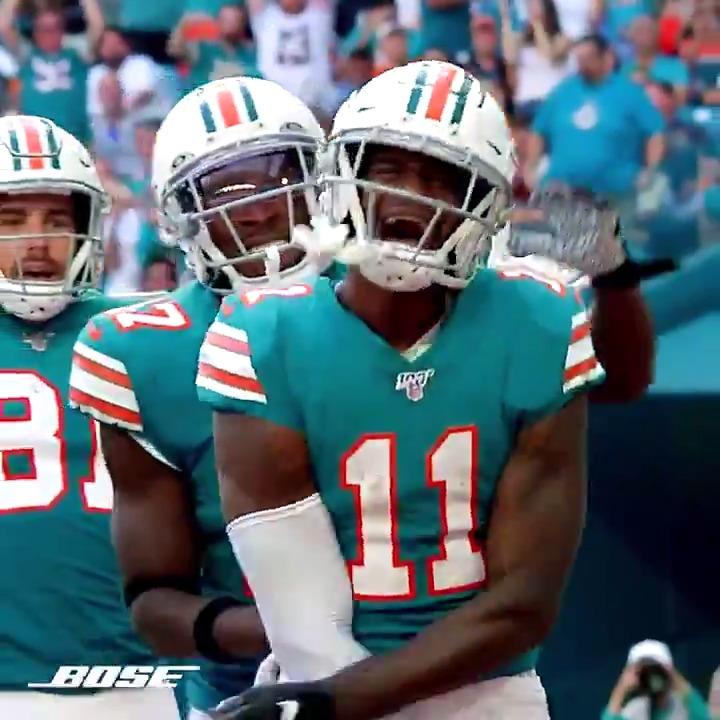 Uncles are the real MVPs @DeVanteParker11 x @Bose