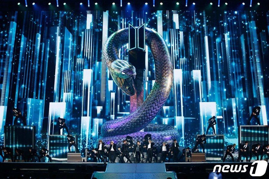BTS Guncang Panggung MAMA 2019 dengan Penampilan Spesial