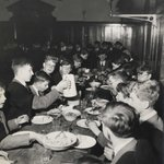 Image for the Tweet beginning: Tucking in in College Hall