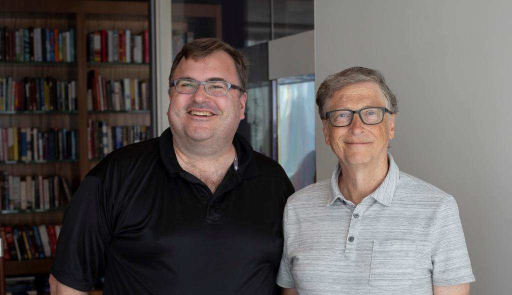 I really enjoyed sitting down with @reidhoffman  to talk about the role great cofounders and partners have played in my career, like Paul Allen at Microsoft and @melindagates  at the Gates Foundation. You can listen to our conversation here:  https://b-gat.es/2rhKE1o