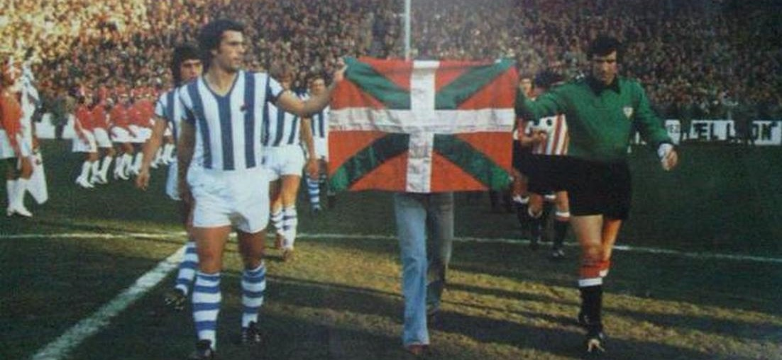 It is, without a doubt, one of the most remembered derbies of all time   The Ikurriña derby   #HistoriaRS  #AurreraReala