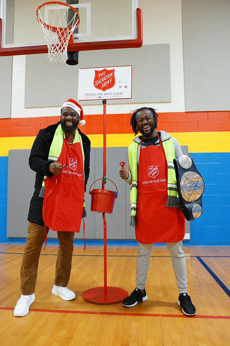 Today was amazing and fulfilling thanks to Cricket Wireless, The Salvation Army, and my Brodie Kofi Kingston. The holidays can be a hard time for many families, so in this season of giving it always feels good to give a helping hand. 🙏🏿