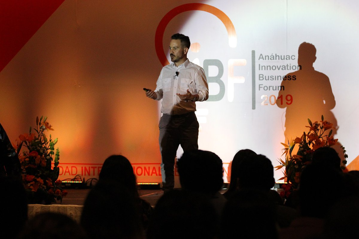 """#Conferencia """"How to build the future, basic startup concepts""""  Endeavor Meetup: Enrico Becerra, CEO and founder of Mycashless  #iBF2019 🔶Anahuac Cancun, we form international leaders https://t.co/TZJNIeii0X"""
