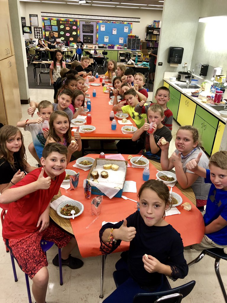 Stone Soup-a lesson in sharing. 😋 #celebratelps @CitrusSchools #LetsROLL