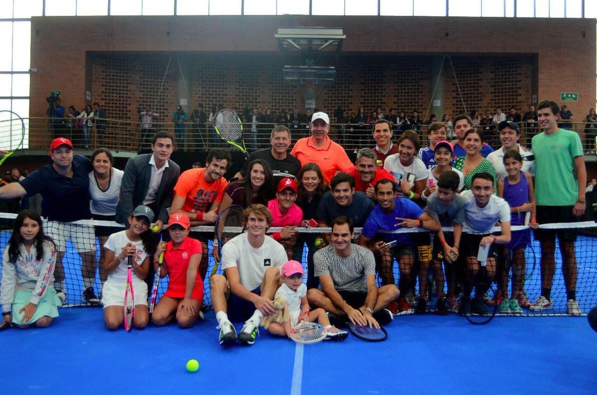 Матч Федерера и Зверева в Колумбии не состоялся из-за комендантского часа