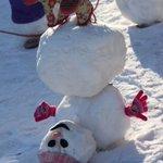 雪玉を2つ重ねるだけが雪だるまじゃない!?予想の上を行く雪だるまが面白い!