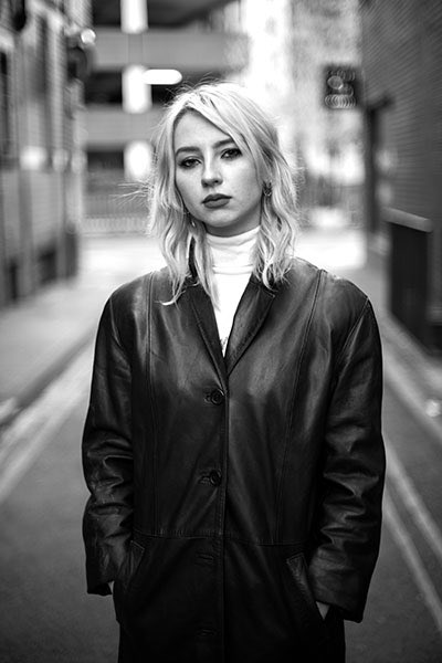 From a shoot with @starrclare_ in Manchester NQ. #photography #streetportrait #StreetStylepic.twitter.com/lvW0TMAbYe