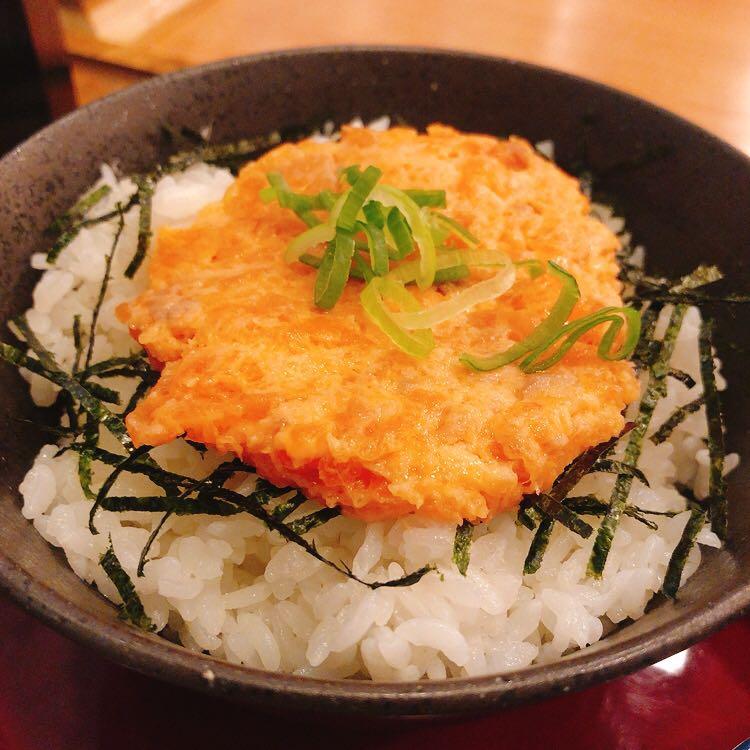 この旅行で3回目の海鮮丼(鮭トロ丼)なう! #北海道 #朝メニュー