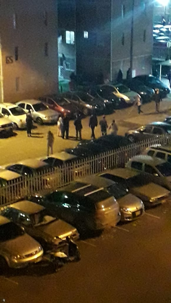 #Cacerolazo22N Reportan que en Fontibón y en Kennedy encapuchados quieren ingresar a casas y conjuntos.