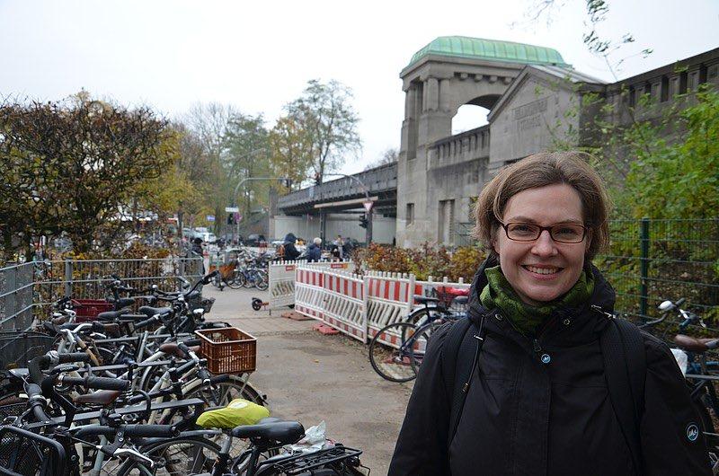 """#Radparken an der U-Bahn Kellinghusenstraße: Die ersten 44 Bügel sind fertig! Sina Imhof: """"Ich freue mich, dass das Bike+Ride-Konzept hier in Eppendorf nun endlich umgesetzt wird."""" https://gruene-nord.de/home/news-volltext/article/radparken_an_der_u_bahn_kellinghusenstrasse_die_ersten_44_buegel_sind_fertig/#Eppendorf… #Fahrradstadt #GrüneNord"""