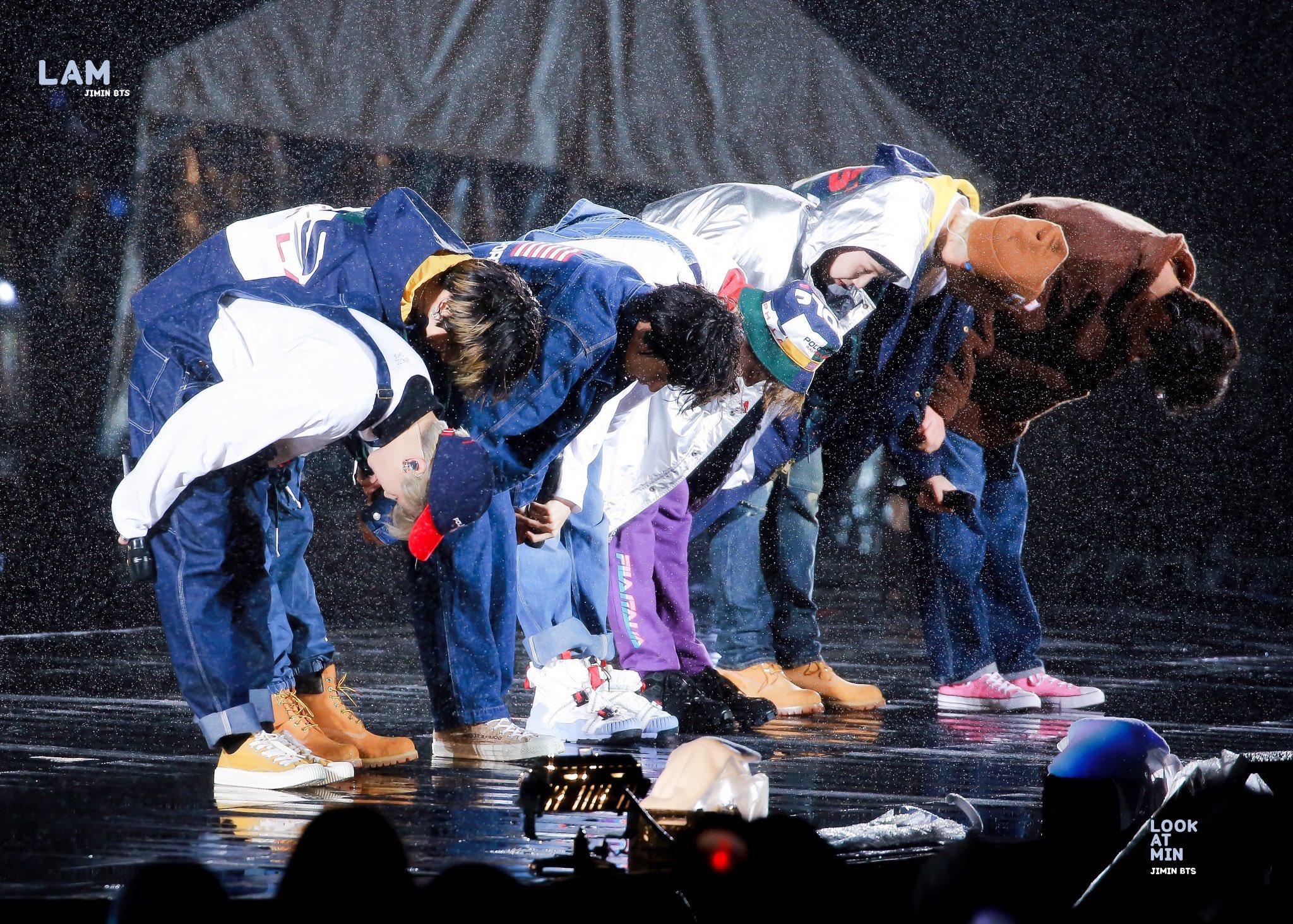 BTS Sukses Menggelar Fanmeet Muster Volume 5 Magic Shop di Chiba Jepang, Meski Hujan Mengguyur Seharian.