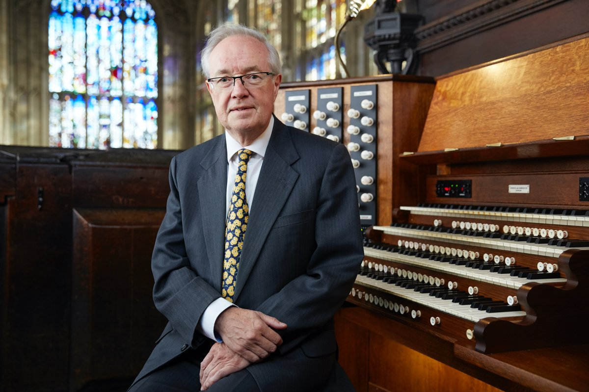 It is with great sadness that King's College has learned of the death of Sir Stephen Cleobury. Stephen died in his hometown of York last night, 22 November, after a long illness. bit.ly/SJC19482019
