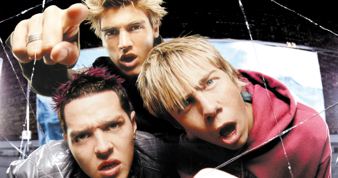 Glad they Crashed The Wedding, it's better than regretting! @Busted were Number 1 today in 2003. See the full Top 40 from that week. https://t.co/R5zCtr4K6Z https://t.co/OJUchYDlxE