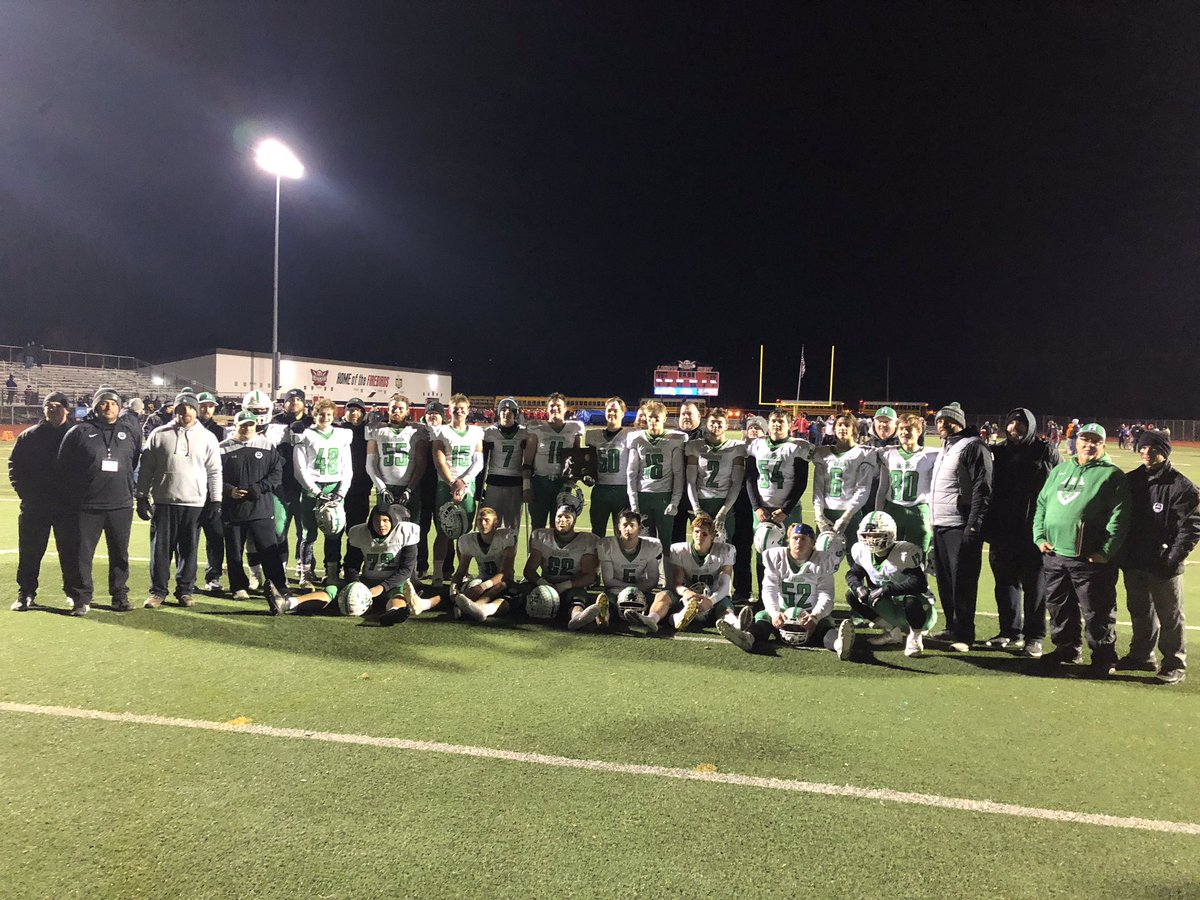 What a ride 2019 was! 11-2 Regional runner up, final eight, won 2 play off games, won the league out right. Defense setting points allowed record for Harrison and the SWOC, three players entered the OHSAA record book. Great job seniors. Keep drinking the green juice. <br>http://pic.twitter.com/jdE9zp6tAp