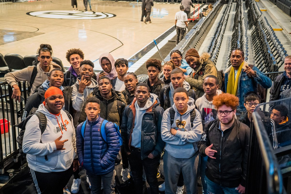 Earlier this week, @CarisLeVert invited the mentees in his 22 Initiative program to watch a game, tour @barclayscenter, and learn from some Nets employees about working in sports 🙌 https://t.co/fZOQGEtBua