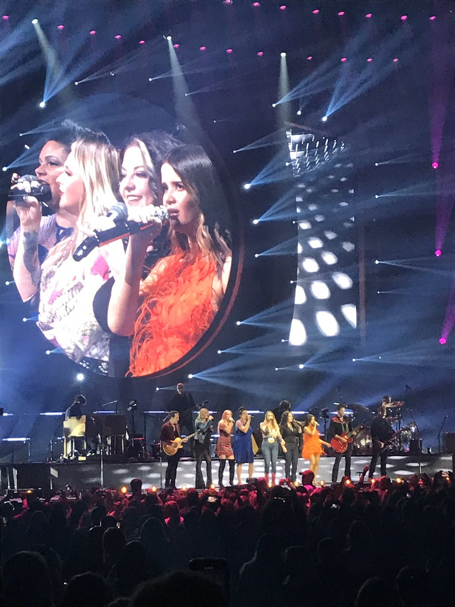 @mirandalambert @MarenMorris @AshleyMcBryde @PistolAnnies showed up and showed us why women in country music (or any music) deserve to be heard! #RoadsideBarsAndPinkGuitars #MirandaLambert #MarenMorris #PistolAnnies #AshleyMcBride #womenincountrymusic #WildCard