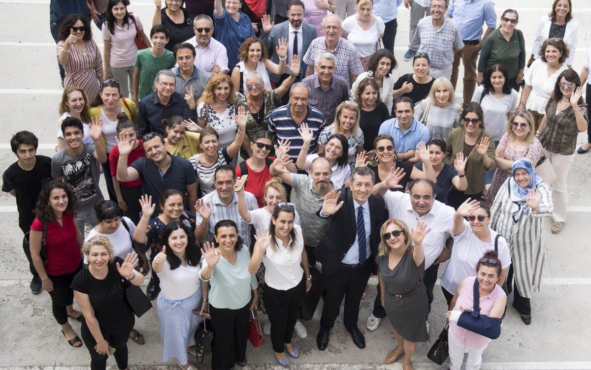 """Bakan Selçuk'un Öğretmenler Günü Mesajı """"Hepimizin hayali güçlü bir Türkiye, güçlü bir gelecek. Sevgili meslektaşlarım, hep dedim bir kez daha yineliyorum ki, bir geleceği tesis edebilmek için tek bir şeye ihtiyacımız var. Güçlü öğretmenler..."""" Mesaj👉bit.ly/37pBwrQ"""