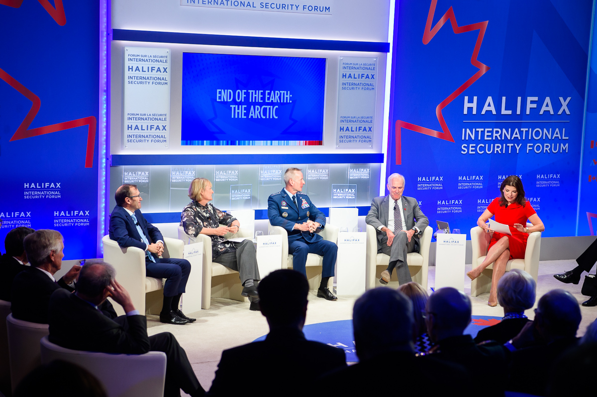 IN PICTURES: PLENARY 6 End of the Earth: The Arctic featuring General Terrence O'Shaughnessy @NORADCommand @USNorthernCmd, Maj General (ret.) Tammy Harris @RCAF_ARC, @secnav76 @USNavy, @EspenBarthEide, and @luizachsavage @politico. #HISF2019 https://t.co/MkIEktneBS