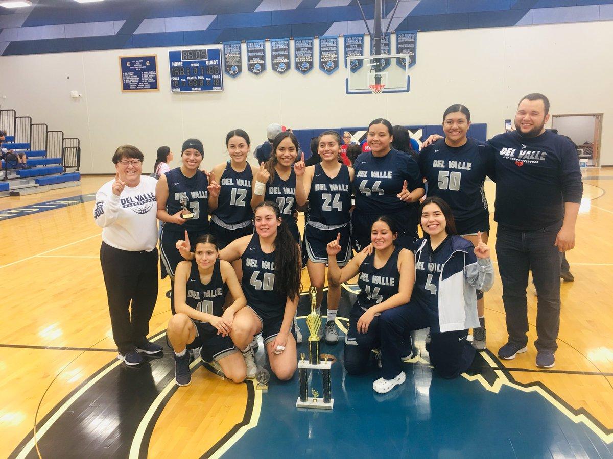 Fotos De Gaby Del Valle del valle girls' basketball (@dvgirlshoops) | twitter