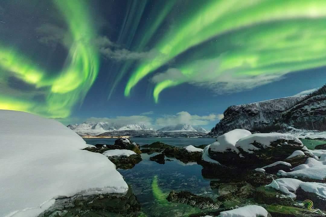#Aurora over Troms 😍 Photo via @EnjoyTheArctic #Norway #Arctic #travel #northernlights @Northern_Norway