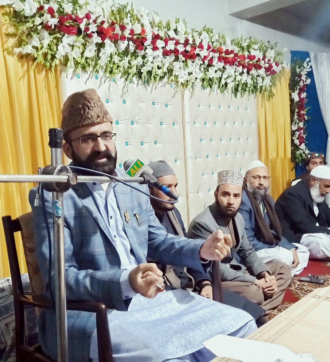 تحریک منہاج القرآن کوٹلی آزاد کشمیر کے زیر اہتمام منعقدہ میلاد النبی کانفرنس سے ڈاکٹر محمد عمر ریاض عباسی خطاب کر رہے ہیں