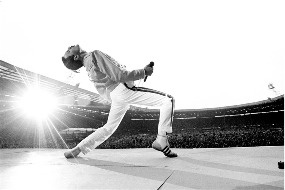 #FreddieMercury He may have left us 28 years ago but for me he is still the ultimate showman, singer, performer. When they made him they broke the mould. https://t.co/P7XAWiFIaB