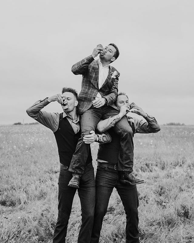 This photo is giving us serious tailgating vibes. Happy Grey Cup Sunday everyone! 🍺🏈 • Photographer: @mintphoto.ca • #boyswillbeboys  #tailgateparty  #groomsmen #weddingportraits  #blackandwhitephotography  #celebrate #touchdown #shotgunbeer  #stayin…