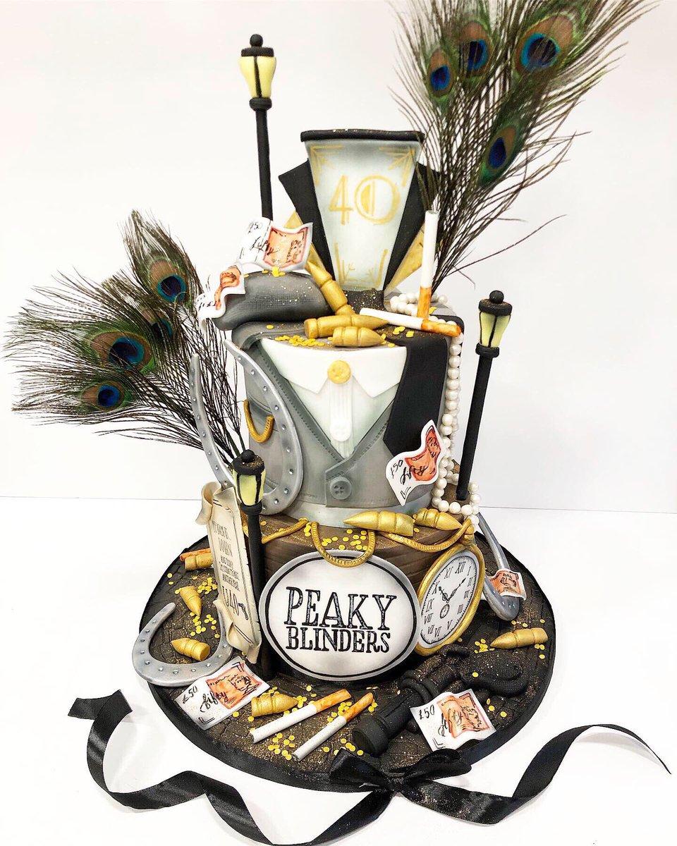 Peaky Blinders, whaaaaat?  *adaption of my last cake but for a lovely gentleman  #cakedaysaweek #cakedesigner #glasgowcakes #peakyblinders  #peakyblindersofficial @ThePeakyBlinderpic.twitter.com/Wqv1pz2K8z