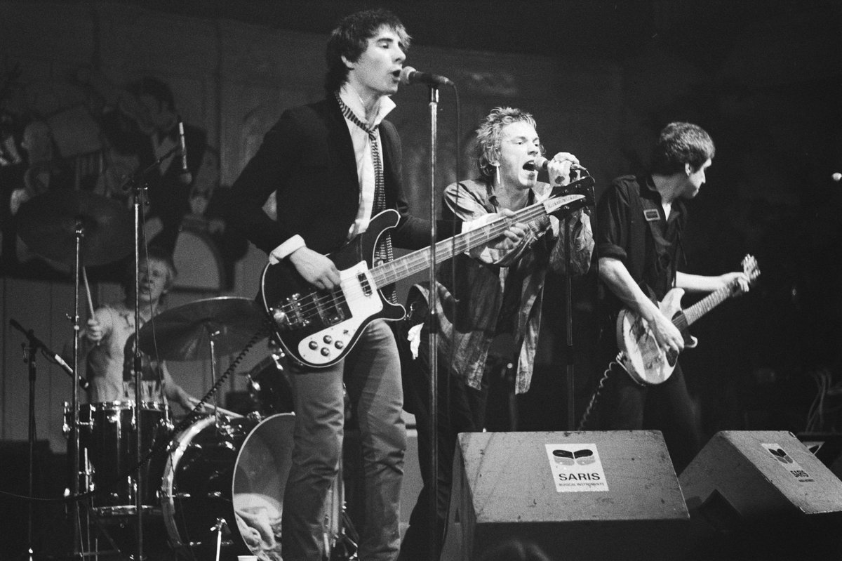 vicious-of-the-band-sex-pistols-fuck-teens