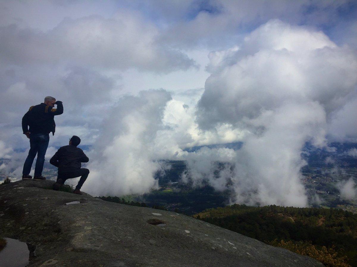 above the clouds with Andrés Duque on Monte Aloia, Galicia, during @PlayDocFest (Tui) this April. Photo by Sara García Villanueva.