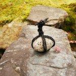 日本庭園や寺社仏閣に置いてあるこの石の意味、あなたは知ってる?