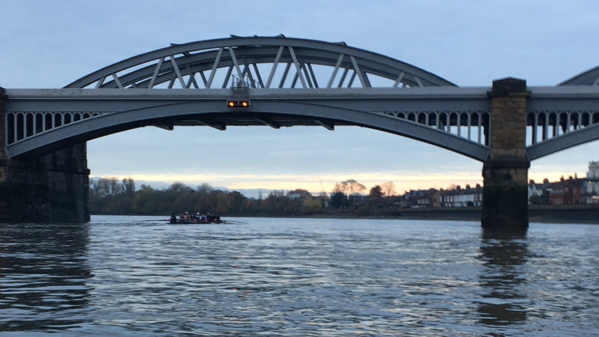 test Twitter Media - Sun setting on a successful weekend on the Tideway with our crews taking 1st and 6th in the W4+ academic band 2 at Fours Head.  Onwards to Trial Eights! https://t.co/KO7s0F5bNp