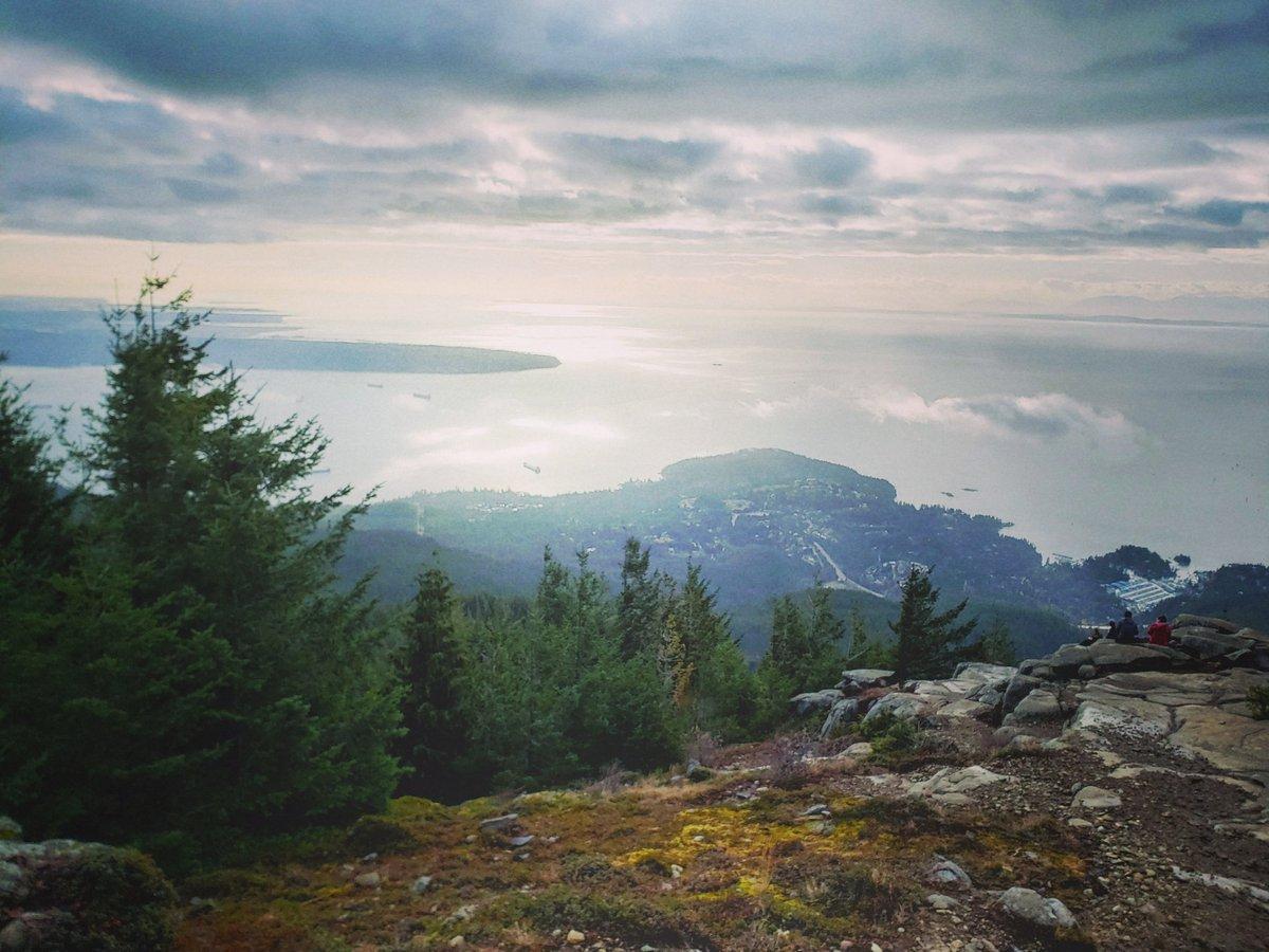#Cypress #hiking #hikebc #hike #vanvouvertrails #outdoorvancouver #hikingculture #hikingadventures #beautifulbc #hellobc