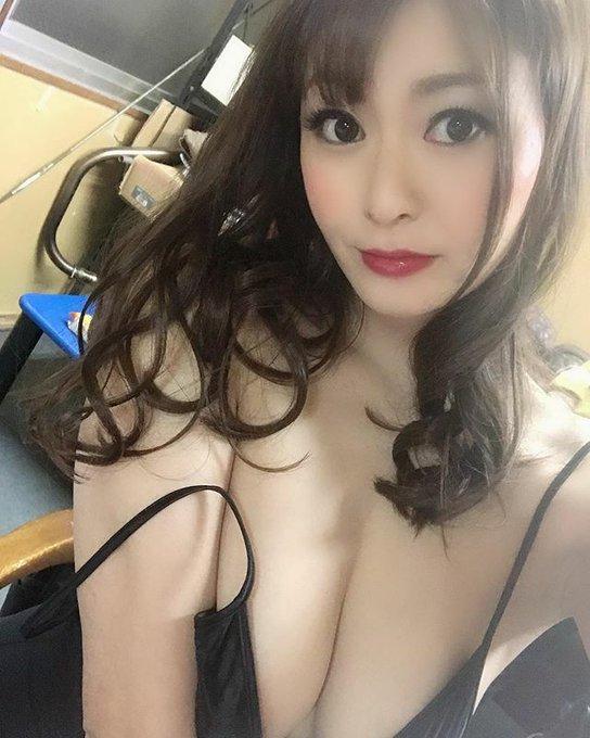 AV女優葵百合香のTwitter自撮りエロ画像35