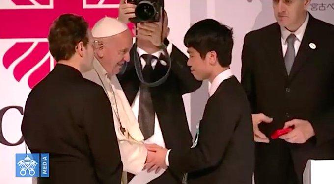 Francisco, con las víctimas del 'triple desastre' de Fukushima