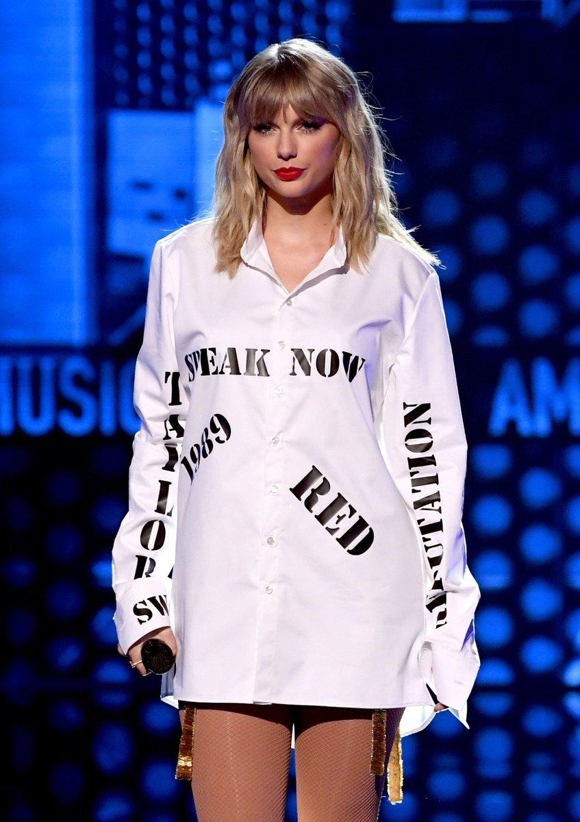 "Taylor Swift >> álbum ""Lover"" [III] EKMA5xlUcAEKu1G?format=jpg"