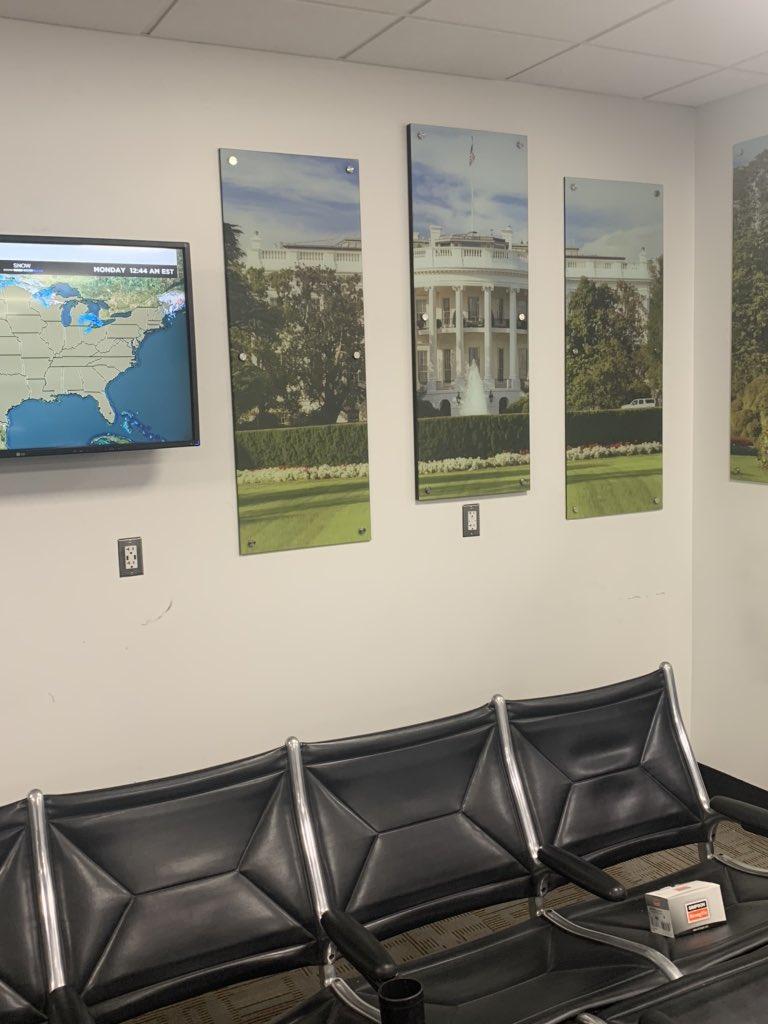 New gate artwork is going up!! Thanks @Reagan_Airport !! #winningdc @weareunited @mechnig